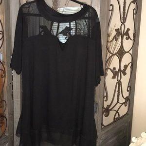 Tops - Plus size 3x black shirt sleeve tunic. NWOT